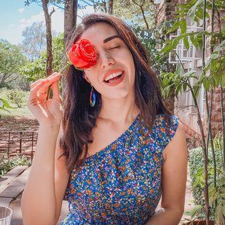 Selin Uzdil-Lifestyle Blog